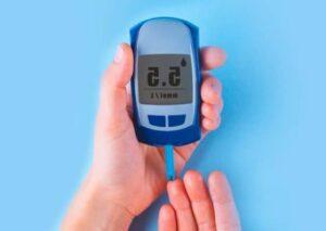 medidor de glucosa en sangre para detectar diabetes